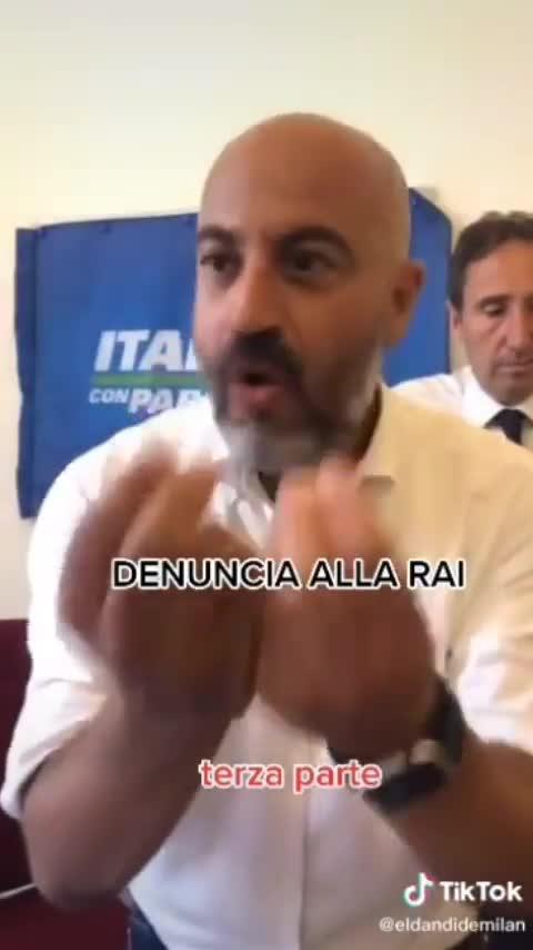 GANLUIGI PARAGONE INCAZZATO NERO!!!