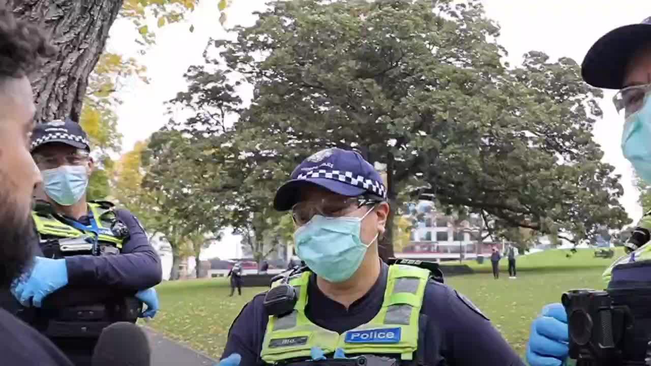 AUSTRALIA STATO DI POLIZIA IN ATTO FATE GIRARE
